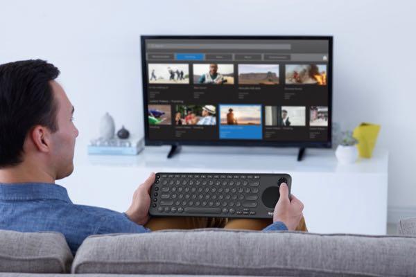 K600 TV BLACK Keyboard Lifestyle Photograph
