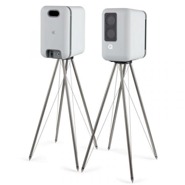 Q Acoustics Q Active 200 Bookshelf Speakers In Matt White With Tensegrity Stand On White Background